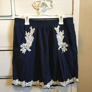 Tulle M/L Embroidered Navy Mini Skirt w/ Pockets
